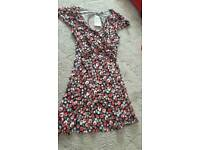 Red floral dress size 14 bnwt