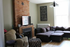 4 Month Lease, Sept-December, 6 Bedrooms, Furnished