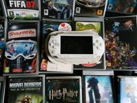 Fully functioning PSP 1000 + 20 Assorted games