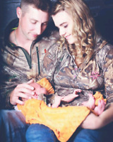 Lifestyle and newborn photographer