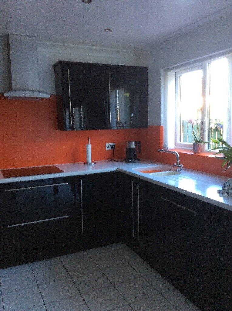 Black High Gloss Kitchen Cupboard Doorscornice Plinths And Side