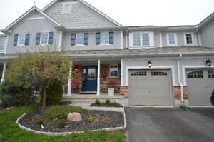 2 STOREY TOWNHOUSE! 24 Fallingbrook Cres, Lindsay, ON