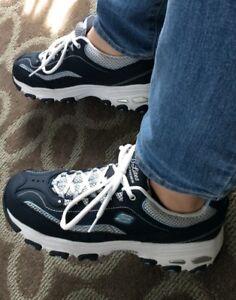Skechers! Women's   sneakers size 9