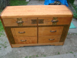6 drawer solid waterfall wood dresser in good shape