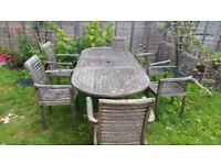 Garden extendable table and 4 chairs