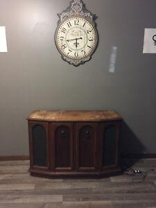 VINTAGE RECORD PLAYER CABINET!