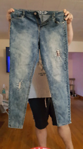 2 Pairs Womens Jeans