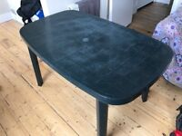 Garden Table in perfect conditions, great for summer BBQs