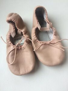 Little girls ballet shoes slippers size 10