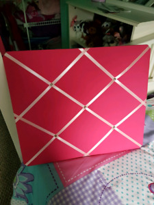 Pink message board