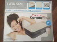 Deluxe raised double air bed with built-in pump BNIB