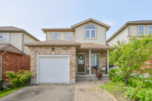 Lovely 3 bedroom home in a great family Neighbourhood!