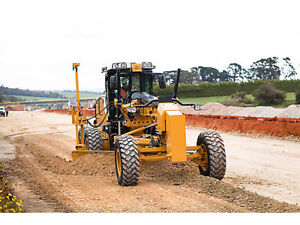 Mid-Sized Grader For Rent