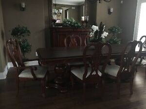 Dining table with 4 chairs and 2 armchairs