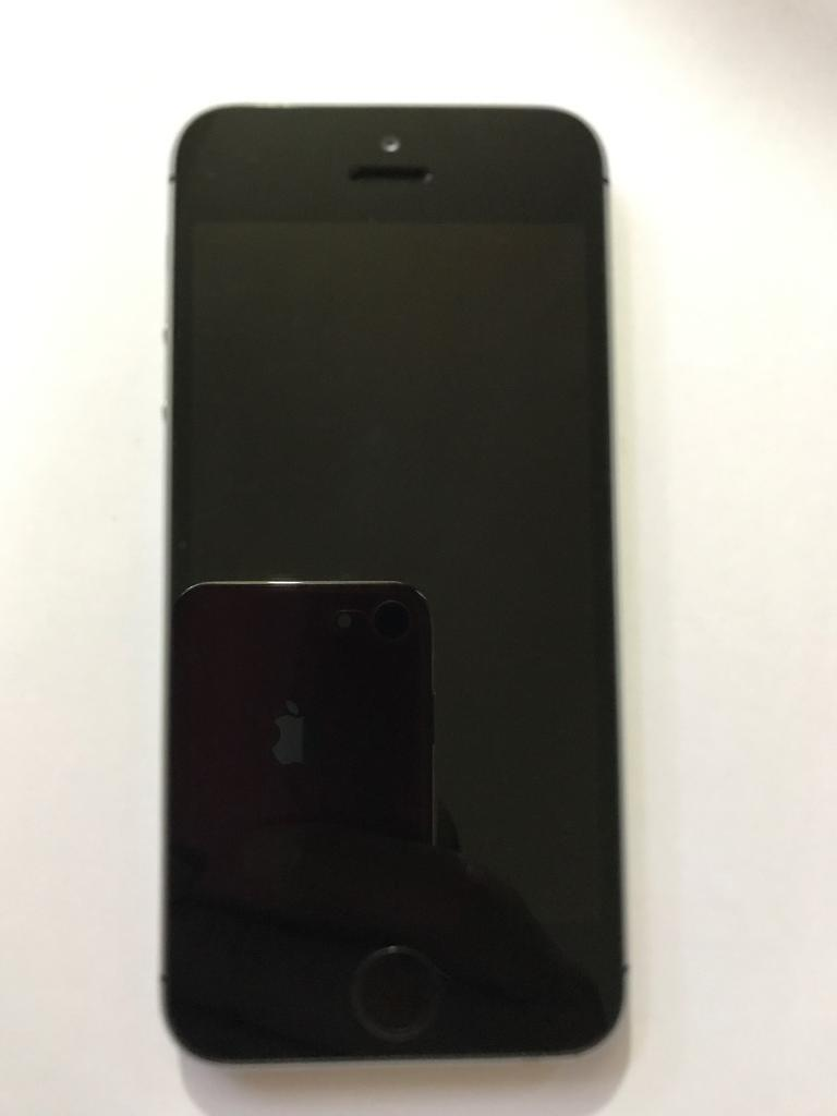 IPhone 5s 16gb on o2 giffgaff and Tescoin Bolton, ManchesterGumtree - IPhone 5s mint condition perfect working like new comes with charger cable only on o2 giffgaff and Tesco mobile