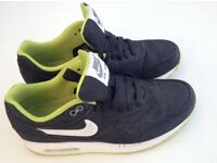 Nike Air Max Trainers size 6 – used handful of times, in clean and excellent condition