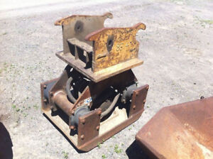 STANLEY HS 6000  HYDRAULIC PLATE COMPACTOR C/W CWS  Q/C EARS