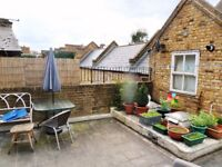 2 Bedroom Flat or Office Suite to Let in The Heart of North Finchley N12
