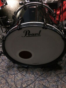 """Pearl Reference 22"""" Bass Drum - Like new"""