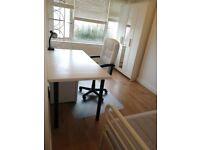 Friendly Double room in Hampton Court Area