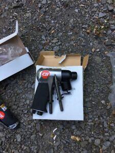 Ensemble d'outils à air