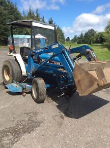Tracteur Ford 1320