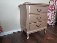 Beautiful french bombe chest of drawers in gold