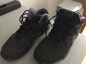 Nike size 7 sneakers