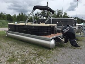 New 2017 Crest I 220 SLC Pontoon Boat