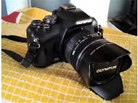 Olympus E410 Digital Camera [hardly used] includes 14-42 zoom lens UV filter, lens hood , and bag
