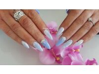 nail technician looking to rent room, table beauty hair salon