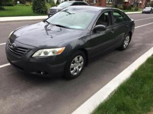 2007 TOYOTA CAMRY LE 2007 * bas millage * 514-961-9094