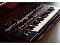 Roland JD-Xi synth. 3 octave digital/analogue crossover synthesiser and vocoder.