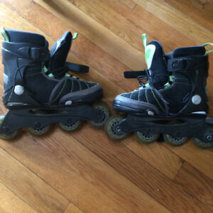 Youth rollerblades