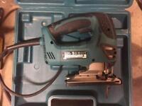 nearly new Makita 110v jigsaw transformer box and case