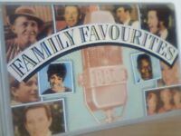 VARIOUS ARTISTS - FAMILY FAVOURITES ; 1985 READERS DIGEST RDC 91451-91454 / ‎CFAM-A-150 - 111 TRACKS