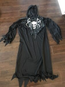 One size costume. Excellent condition.