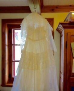 Robe de mariée des années 1950