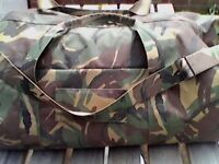 LARGE ARMY HOLDALL