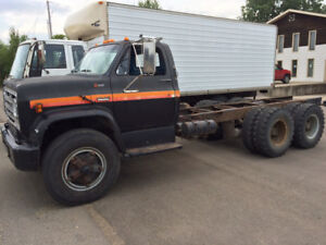 1974 GMC Tandem Axel Cab & Chassis