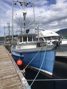 37 foot fishing boat