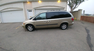 2007 Dodge Grand Caravan with stow and go rear seats