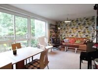 SUPERB 3 BED FLAT INCLUDES HEATING&HOT WATER*KENTISH TOWN