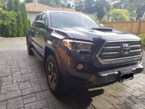 2017 Toyota Tacoma DOUBLE-CAB V6 6A with TRD SPORT Pickup Truck