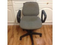 OFFICE CHAIR - SWIVEL CHAIR IN GOOD CONDITION