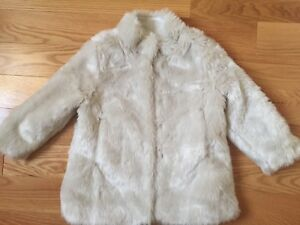 Tommy Hilfiger faux fur coat size 3T brand new without tags
