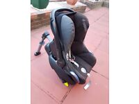 Maxi-Cosi baby car seat with isofix mount and car adapter MAXI COSI (USED)