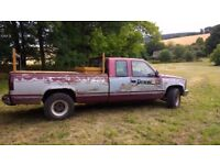 4x4 Pick up Truck GMC Sierra 6.2 V8 Diesel with very rear manual transmission!