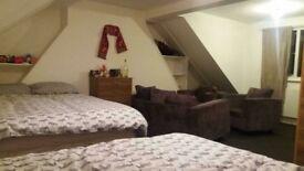2 habitaciones dobles y una singe en la misma casa!!! todo incluido!!
