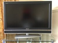 Sony Bravia 32 LCD Digital Television KDL 32V2000